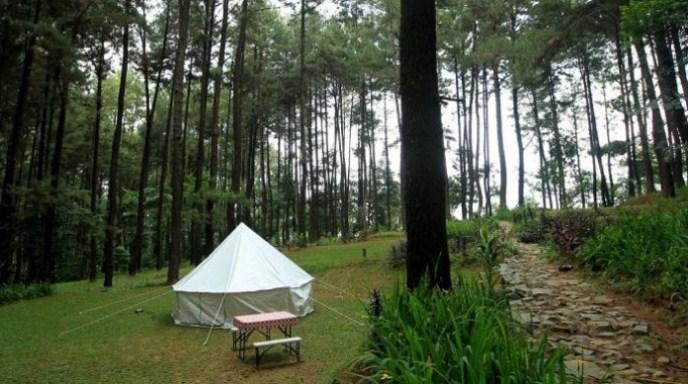 Area camping di kawasan wisata Gunung Pancar