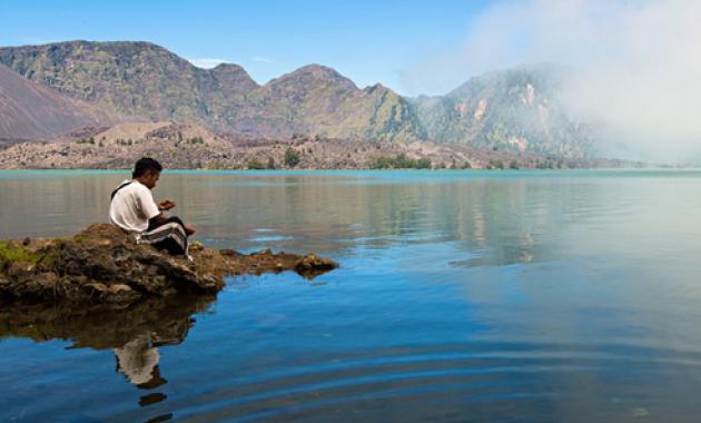 Menikmati Keindahan Danau Segara Anak Yang Memukau