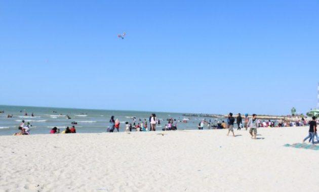 4 Daftar Tempat Wisata Pantai di Gresik Yang Indah