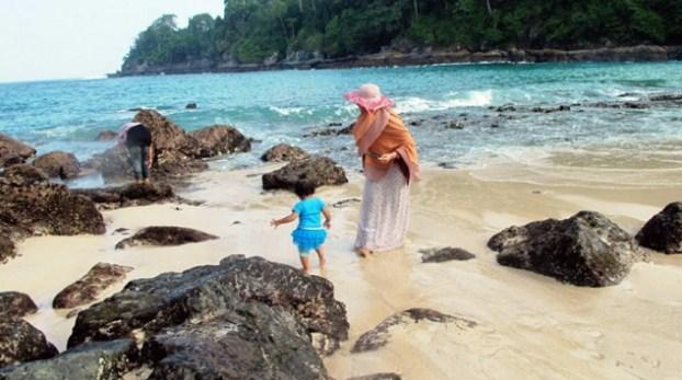Pantai Teluk Hijau
