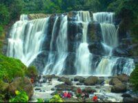 5 Tempat Wisata Air Terjun di Bandung Yang Sejuk