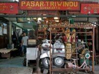 Pasar Triwindu Solo