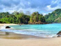 Wisata Pantai Teluk Hijau Banyuwangi, Pesona Pantai Paling Bersih Di Banyuwangi